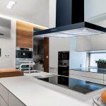 Come scegliere un aspiratore di fumi e odori per la cucina